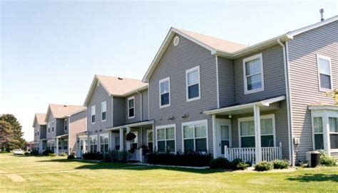 Oak Run Apartments Hammond La Oak Run Townhomes Rentals Coon Rapids Mn Apartments