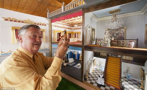 6ft dollhouse hopes to sell georgian dolls house after working on