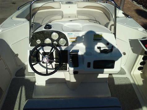 hurricane deck boat captains chair hurricane 21 deck boat 2005 for sale for 19 900 boats