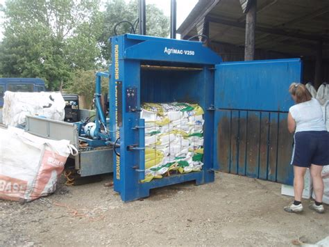 trash compactor wiki file farm waste compactor geograph org uk 911695 jpg