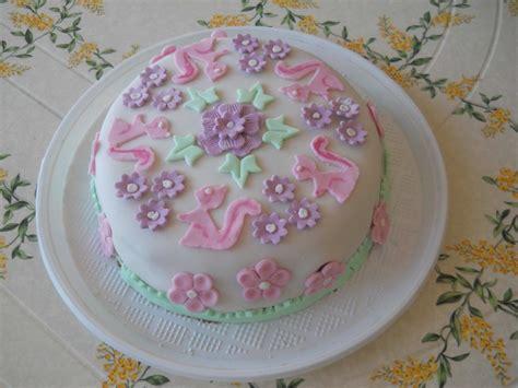 fiori cake design cake design torta con fiori e coniglietti bricolage