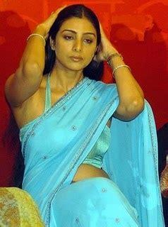 tabu hot saree stills actress saree navel show xossip hot sexy pictures stills