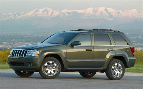green jeep cherokee 2005 2010 jeep grand cherokee pre owned truck trend