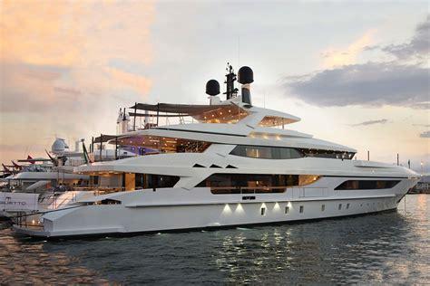 Yacht Interior Design yacht mrt shipyard baglietto francesco paszkowski