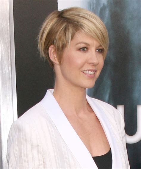 does jenna elfmans hair look better long or short jenna elfman short straight casual hairstyle medium