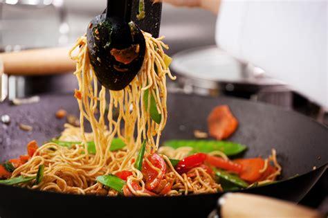 cucinare con wok wok immancabile in cucina la cucina italiana