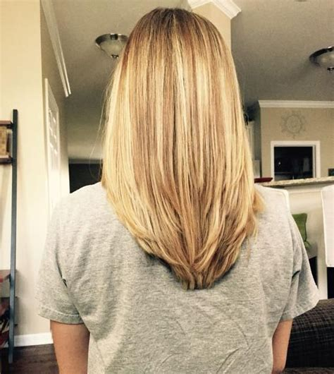 hair styles for v shaped back hair line v shape in the back with some long layers hairs