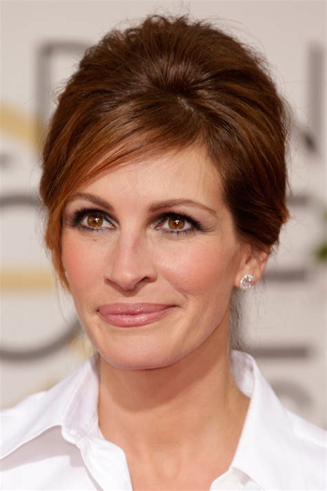 pics of haircuts by serge normant julia roberts s hair by serge normant golden globes 2014