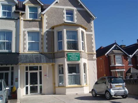 Llandudno Self Catering Cottages by Shamrock House Llandudno Self Catering Apartments