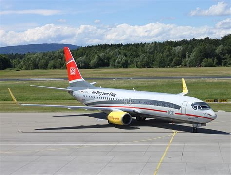 who flies to friedrichshafen tui fly in friedrichshafen es ging zweibr 252 cken 252 ber