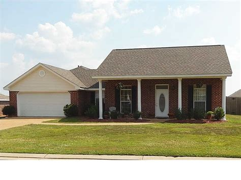 houses for rent pearl ms 129 beechwood cir pearl ms 39208 homes com