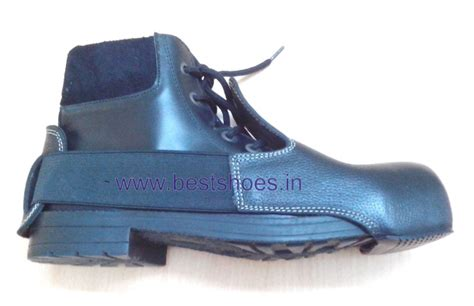 safety shoe cover with steel toe shoecover