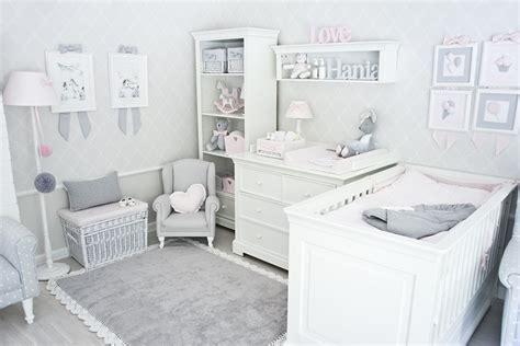 babyzimmer grau teppich mit spitze grau kinderzimmer gavle
