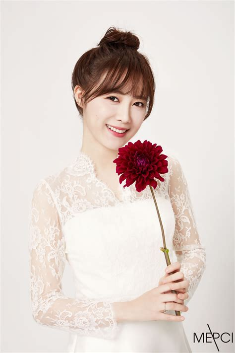 goo hye sun dress in wedding gowns ku hye sun android iphone wallpaper 48611 asiachan kpop