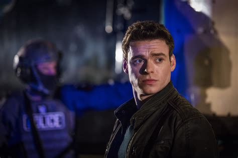 bodyguard actor game of thrones bodyguard viewers call for richard madden to be the next