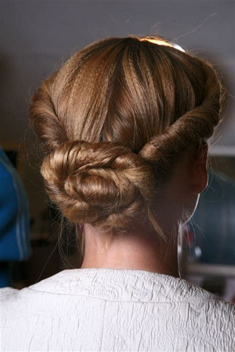 trendy ways to wear your hair up in 2011
