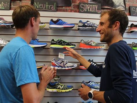 buying shoes how to buy running shoes booxii