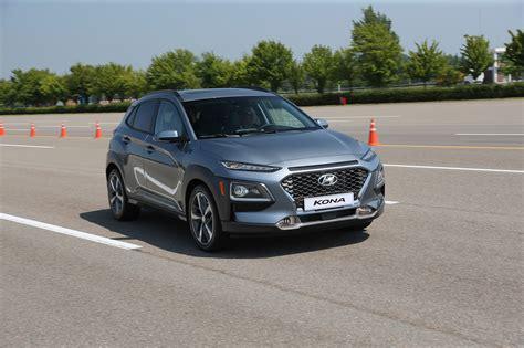 hyundai kona 2018 2018 hyundai kona take review automobile magazine
