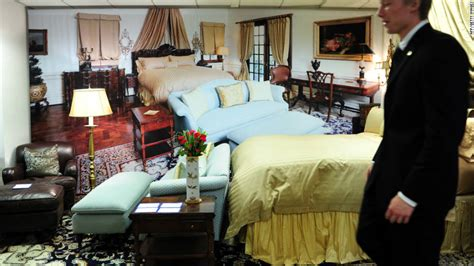 michael jackson bedroom sold auction sells furnishings from michael jackson s