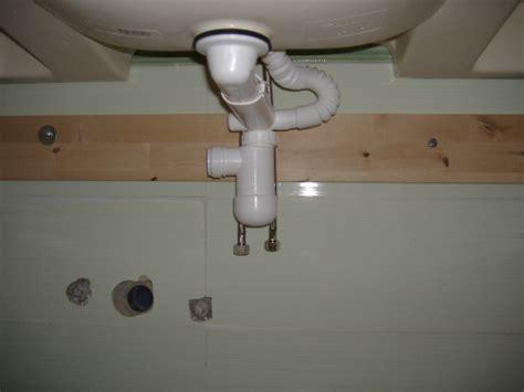 sifone bagno installazione guidata di un lavabo in un bagno wc