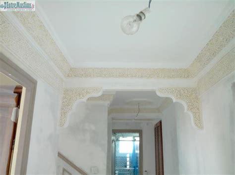 Plafond Platre Traditionnel by D 233 Coration Du Pl 226 Tre Traditionnel Entremuslims Fr