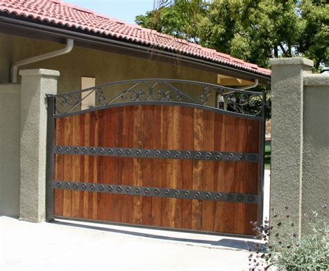 iron wood gates www pixshark com images galleries with a bite