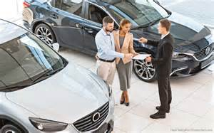 buy used or new car the best and the worst time of the year to buy a new car
