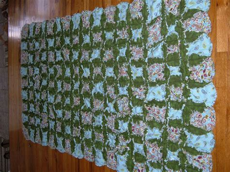 Mock Cathedral Window Quilt Pattern by Mock Cathedral Window Rag Quilt 002 Explore