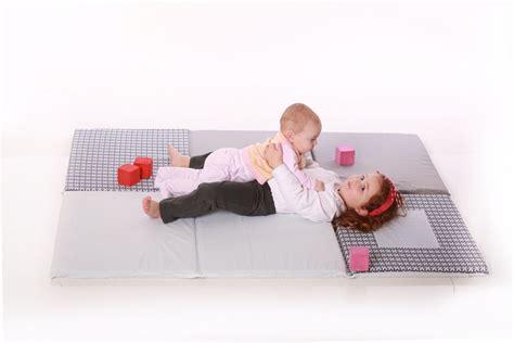 tappeti gioco neonati tappeto gioco di design grigio per neonati e bambini