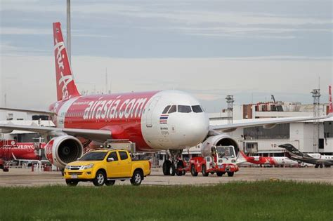 airasia flight to malaysia lands in melbourne as pilot mid air gaffe airasia pilot flies to melbourne instead of