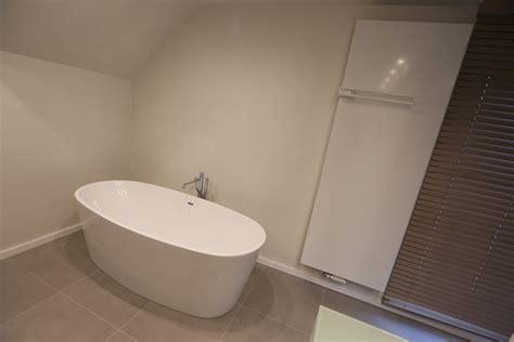 plafond badkamer betegelen simple wij betegelen de muren gieten de vloer verven de