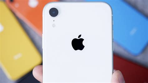 white iphone xr unboxing impressions