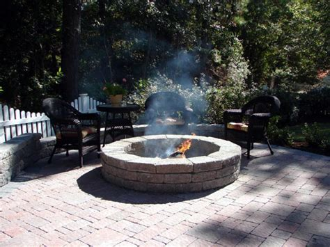 Outdoor Pits And Fireplaces by Outdoor Fireplaces And Pits Diy