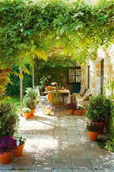 grosse pflanztöpfe für garten balkon dekor bepflanzen