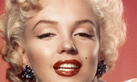 marilyn monroe face how to copycat marilyn monroe makeup viva glam magazine