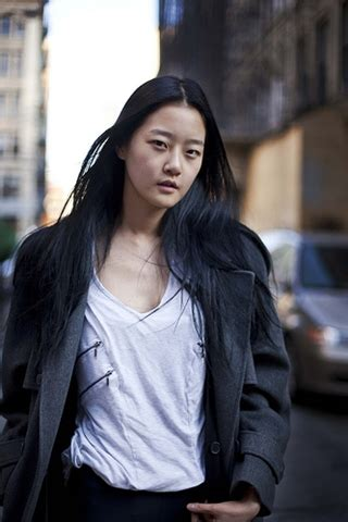ganda style 걸어다니는 곳이 런웨이가 된다 강승현 hyoni 네이버 블로그