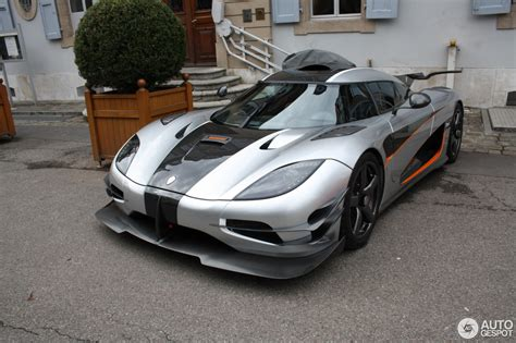 one 1 koenigsegg koenigsegg one 1 8 april 2017 autogespot