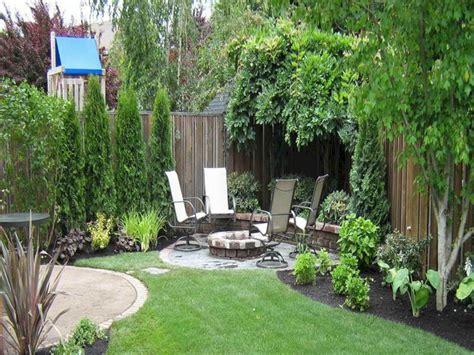 top 28 green backyard ideas make a putting green in the backyard 28 images little best 25