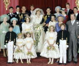 Royal wedding pictures prince charles and princess diana surrounded