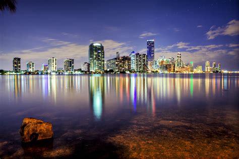 imagenes miami hd miami wallpapers the city skyline across the beach