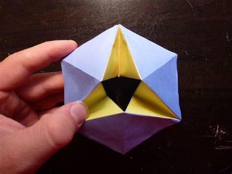 Interesting Origami - kaleidocycles a 3d origami project that changes