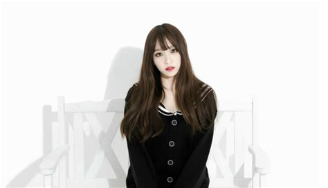 """EXID's Hani Unveils Shocking New Haircut on """"Three Great Emperors""""   Soompi"""