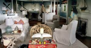 Backyard Swing Chair I Want The Beach House From Quot Grace And Frankie Quot Thanks