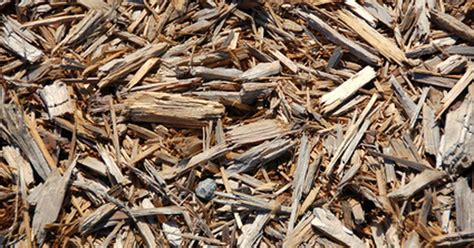 how to put landscape fabric wood mulch ehow uk