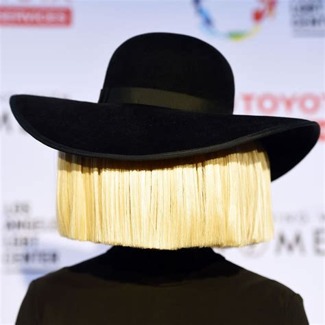 does sia wear a wig celebrity mystery who the hell is sia glamourless