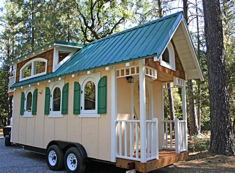 Chalet By Molecule Tiny Homes Tiny Living Molecule Tiny Houses