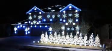 gangnam style christmas light show watch a house blink to this year s mega hit video huffpost