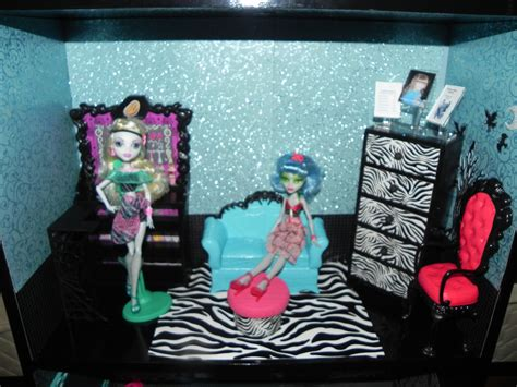 monster high school house monster high house and school monster high photo 33279219 fanpop