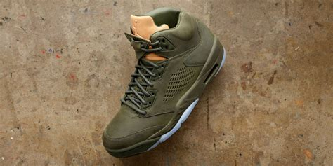 Shoe Of The Week Shoewawa 13 by These Are The 13 Coolest Sneakers Of The Week