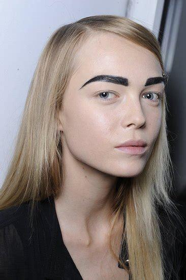dark eyebrow trend spring 2012 beauty trend thick brows popsugar beauty